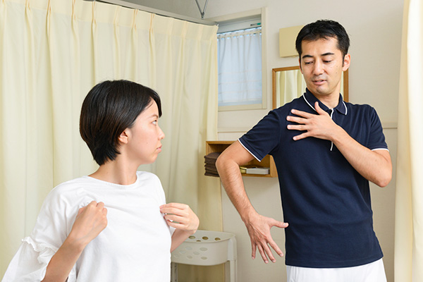 施術後に改めてお体の状態や変化を確認します。合わせて気付いた点や今後のアドバイス、オススメの来院頻度や期間のご提案などをお伝えします。